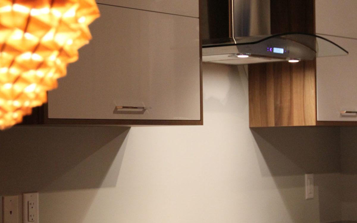armoires de cuisine thermoplastique et m lamine4250. Black Bedroom Furniture Sets. Home Design Ideas