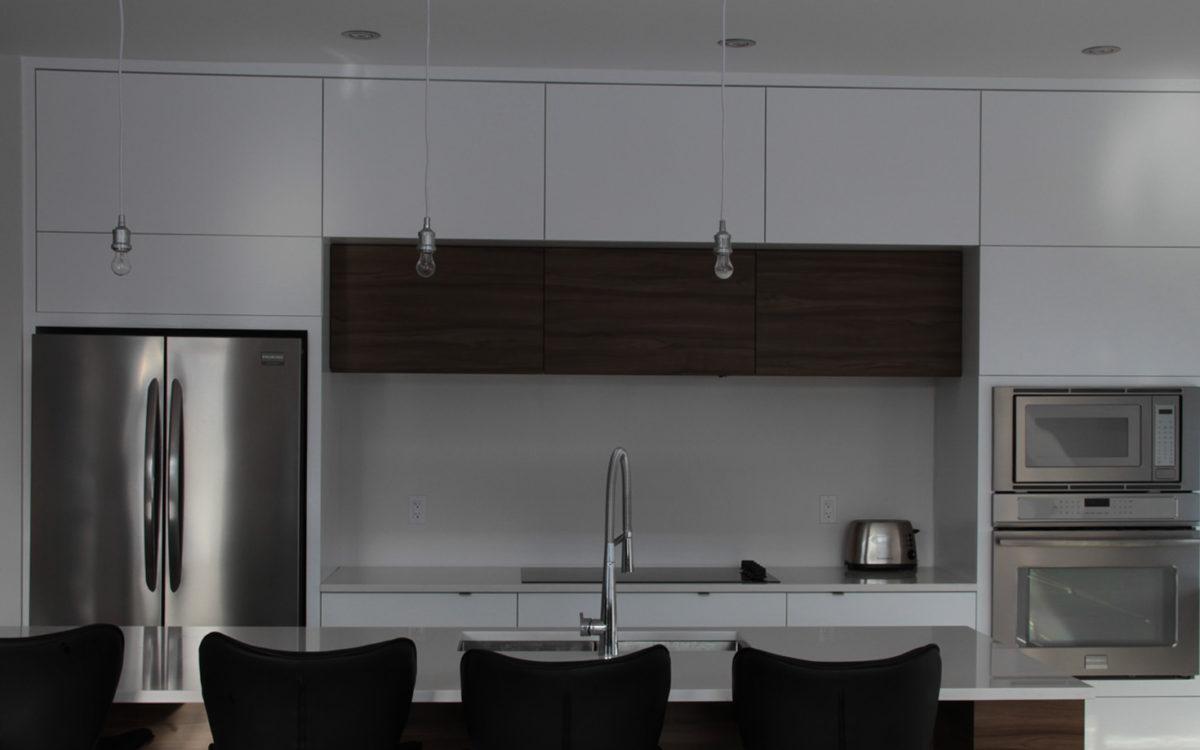 Armoires de cuisine thermoplastique blanc mat 5450 for Armoires de cuisine laval