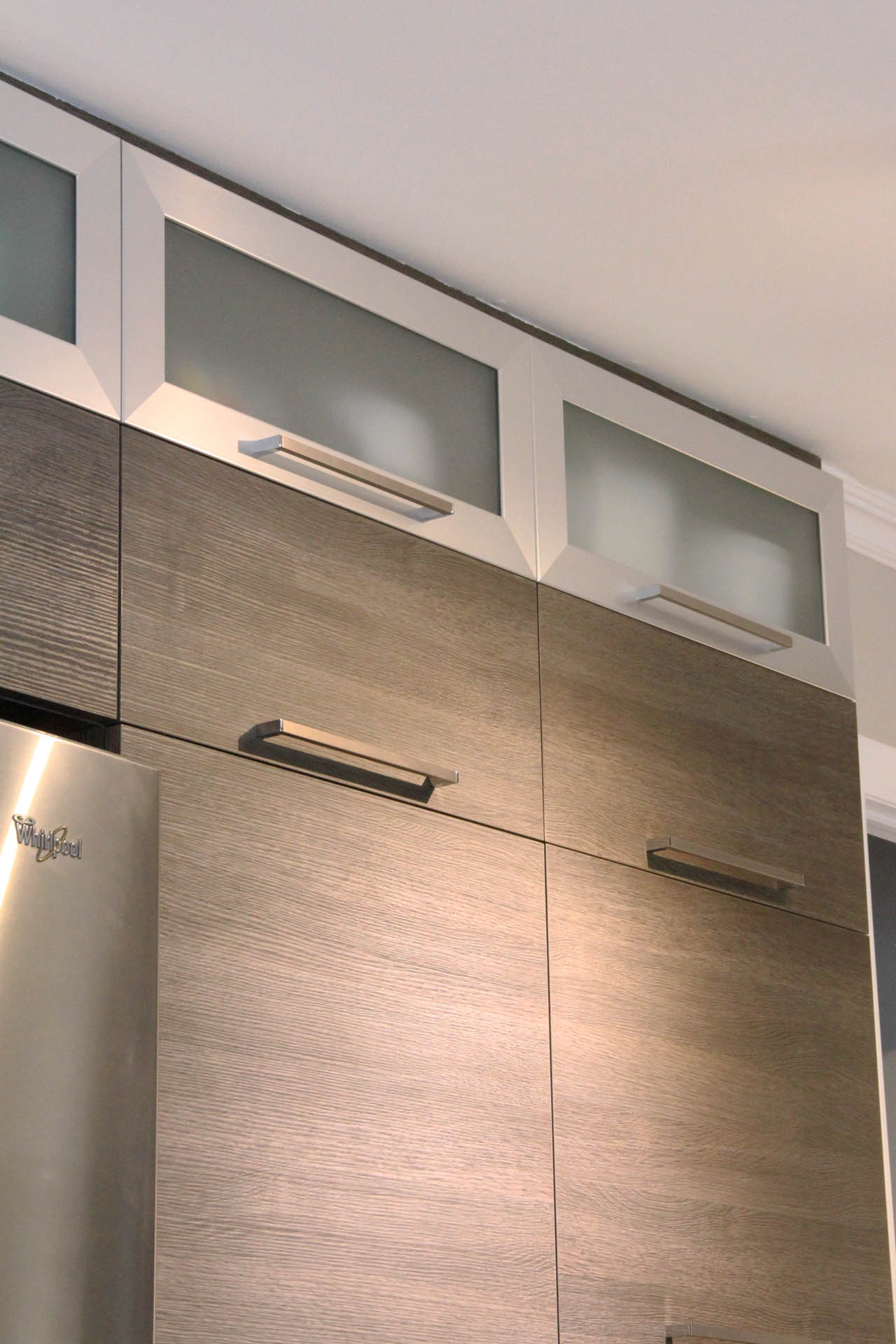 Armoire de cuisine gris 4789 for Armoire cuisine moderne